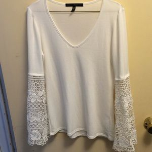 WhiteHouse Black Market sweater top.white